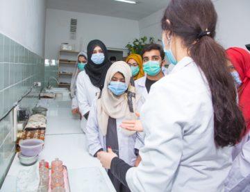 Проведены практические занятия по паталогической анатомии и гистологии для студентов Учреждения «Салымбеков Университет».